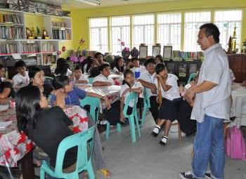 filipino essay tagalog